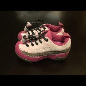 Crocs Kids Dawson Sneakers Girls Faux Fur Size 7
